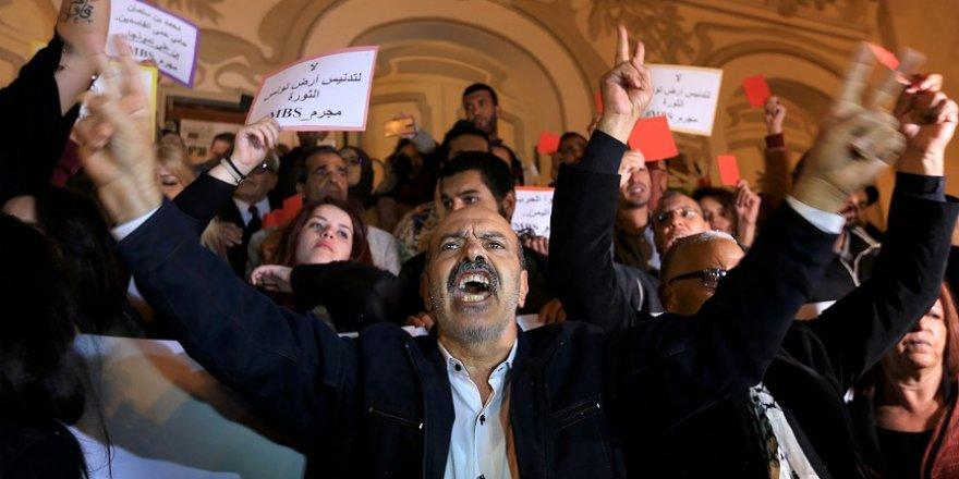 Tunus'u Ziyaret Eden Suudi Veliaht Prensine Protesto Şoku