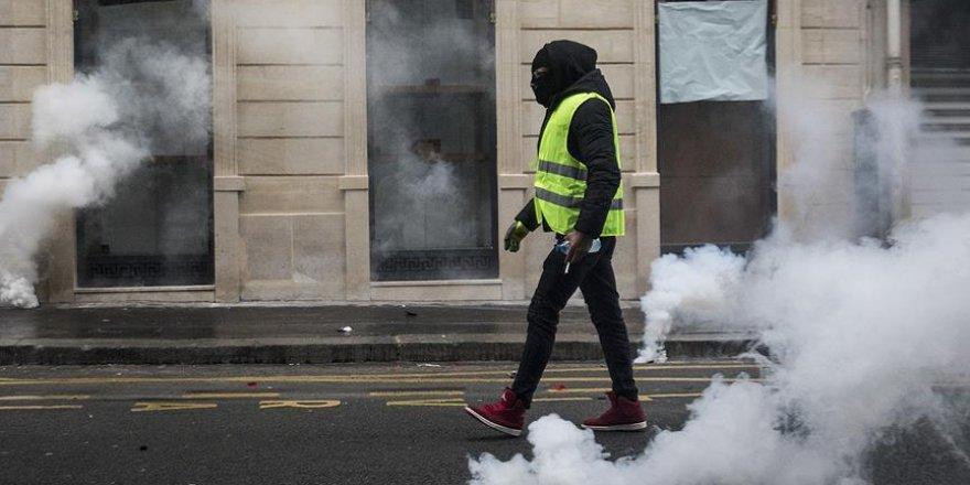Sisi Cuntası Sarı Yelek Satışını Yasakladı