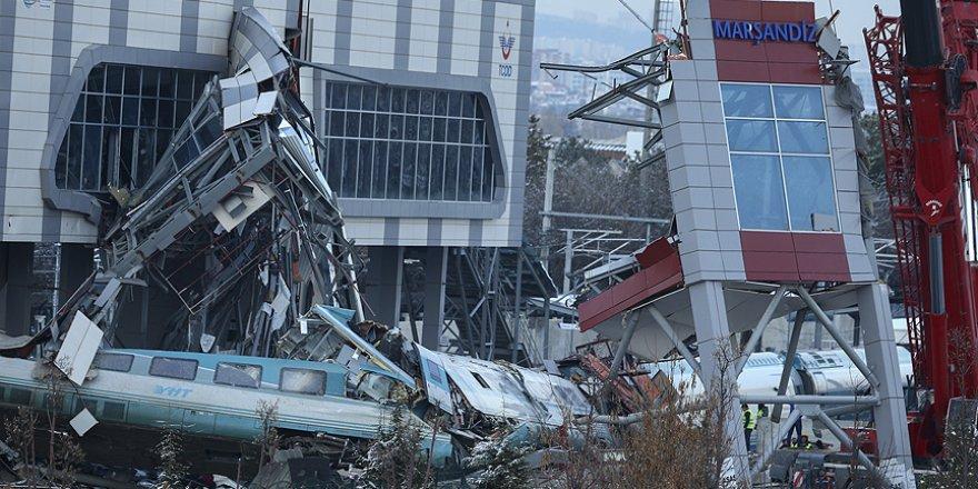 Ankara'daki YHT Kazasında Enkaz Kaldırma Çalışmaları Sürüyor