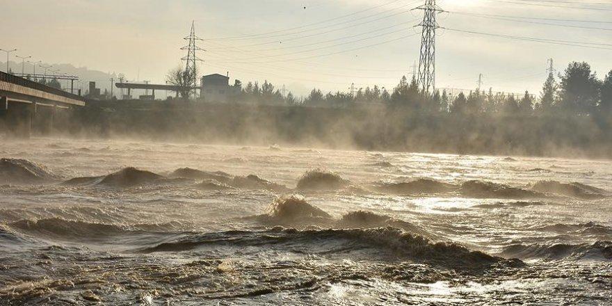 Dicle Nehri Yatağında Su Seviyesi Yükseliyor