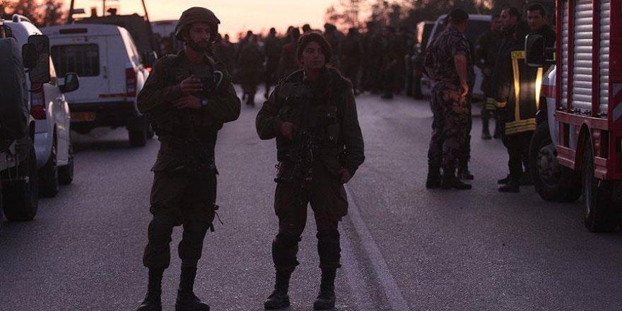 İşgal Güçleri 2'si Milletvekili 3 Filistinliyi Gözaltına Aldı