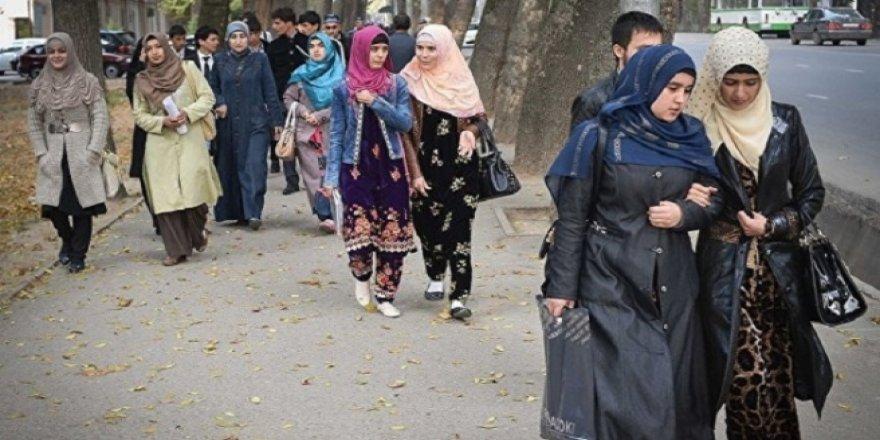 Tacikistan'da 28 Şubat Hortladı