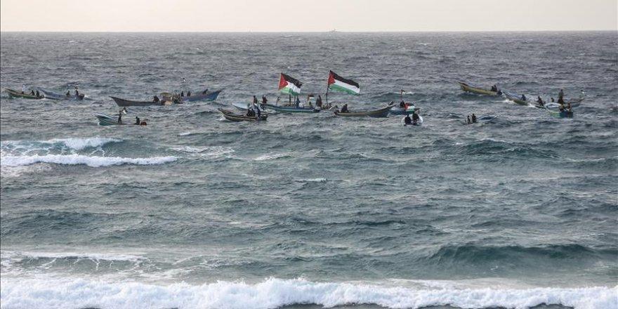 İşgal Güçleri Gazze Sahilinde 2 Filistinliyi Yaraladı