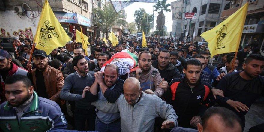 Gazze 4 Şehidini Uğurladı