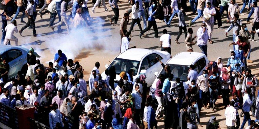 Sudan'da Gösterilere Katılan Akademisyenler Tutuklandı