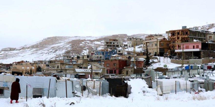 Lübnan'da Yaşayan Suriyeli Mültecilerin Kış Çilesi