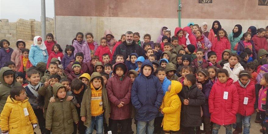 Özgür-Der ve Fetih-Der İdlib'de Bin Yetim Çocuğu Giydirdi