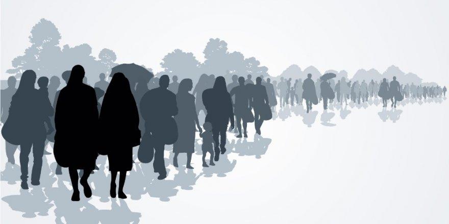 """""""Avrupa'ya Gitmek İsteyen Göçmenler Yol Boyunca Tacize Uğruyor"""""""