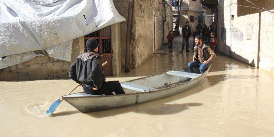 İdlib'de Asi Nehri Taştı