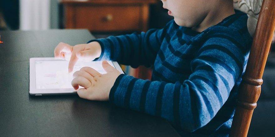 Çocuklarda Dijital Medya Kullanımı İletişim ve Gelişimi Bozuyor