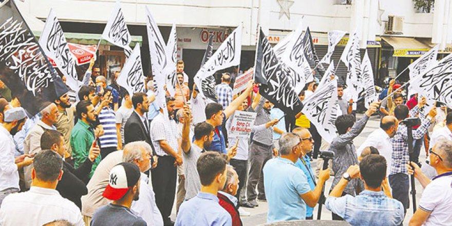 AYM 'Hak İhlali' Diyor, Yerel Mahkeme Tutukluyor