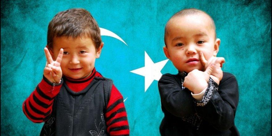 Doğu Türkistan İçin Besteledi