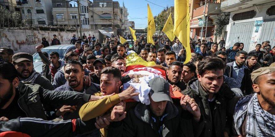 İşgal Güçlerinin Şehit Ettiği Filistinli Genç Hakk'a Uğurlandı
