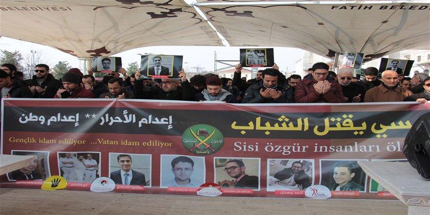 9 Gencin İdamı Protesto Edildi