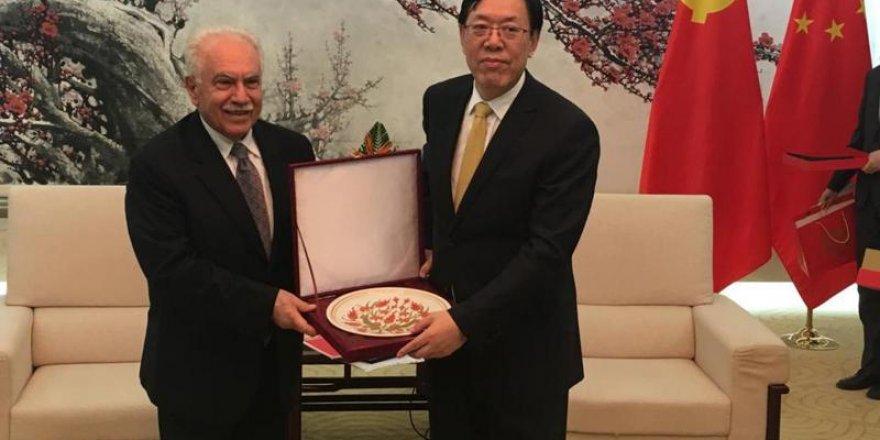 Çin Üstün Hizmetlerinden(!) Dolayı Perinçek'e Müteşekkir