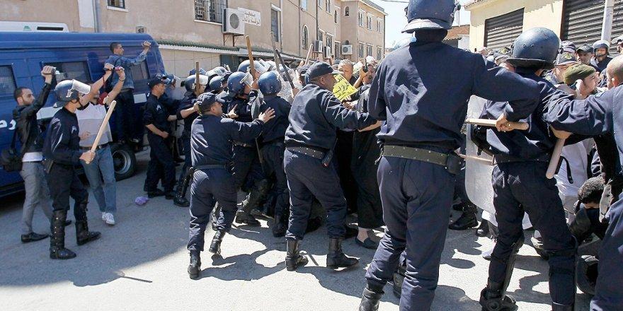 Cezayir'de Değişim Mümkün mü?