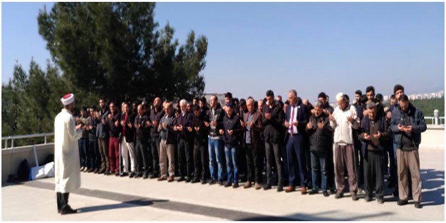 İzmir Dokuz Eylül Üniversitesi'nde İdamlar için Gıyabi Cenaze Namazı