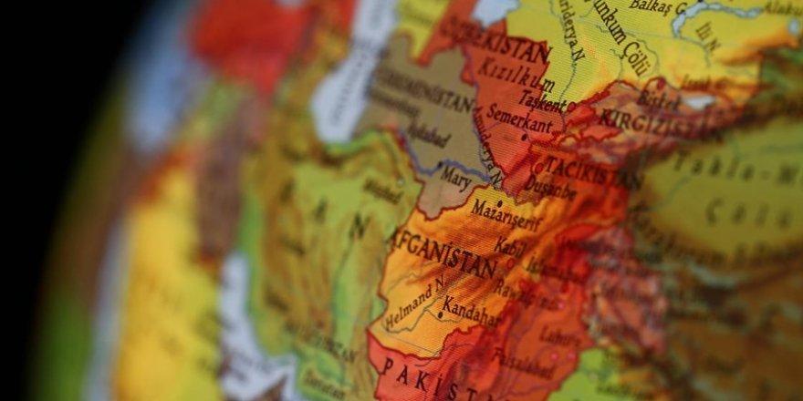 Afganistan'daki hava saldırısında en az 30 kişi öldü