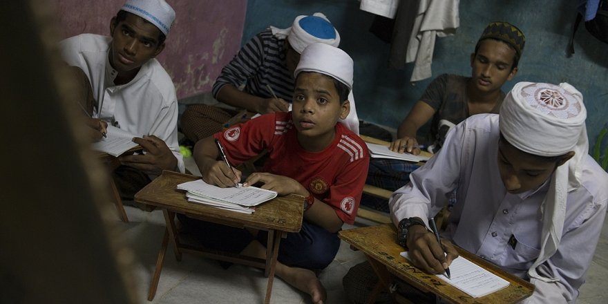 Malezya'da Arakanlı Mülteciler İçin Eğitim Çok Zor!