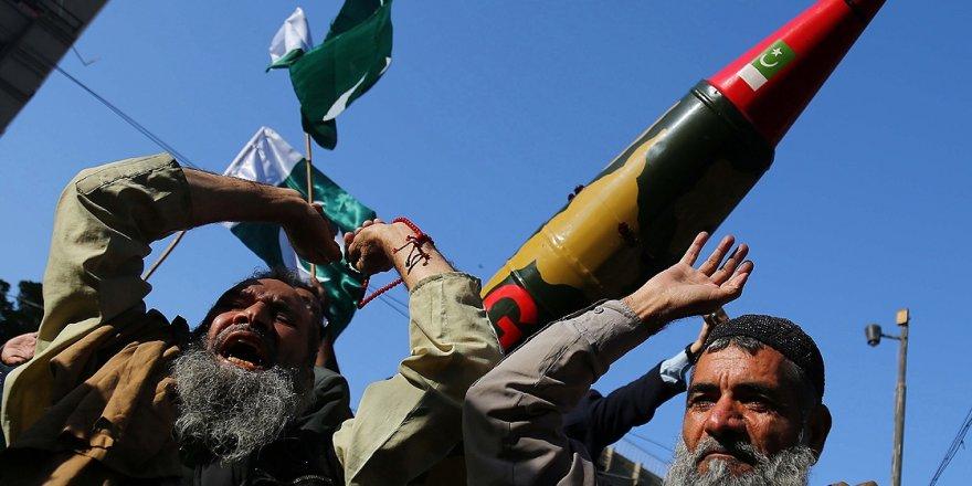 Pakistan ile Hindistan Arasındaki Gerginlik Sürüyor