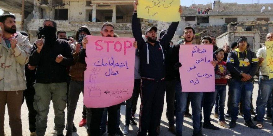 Esed Rejimi 8 Yıl Sonra Aynı Yerde (Dera'da) Protesto Edildi