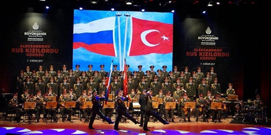 Türkçe Şarkılar ve Marşlar Söyletilerek Kızılordu'nun Çirkin Misyonu Örtülebilir mi?