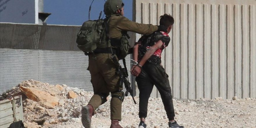 İşgal Güçleri 11 Filistinliyi Gözaltına Aldı