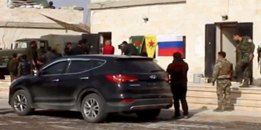 Ruslardan Münbiç'te YPG'ye Koruma Vaadi