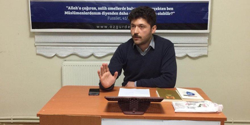"""Sivas'ta """"Yeni Politik Kültürün Dünyasında"""" ve """"Kalbin Akletmesi"""" Kitapları Değerlendirildi"""
