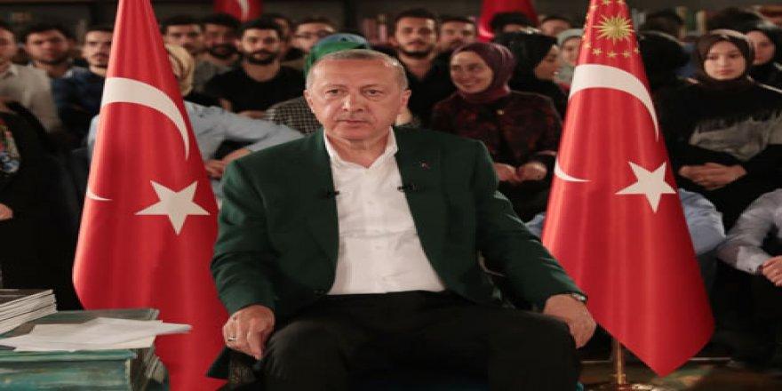 Cumhurbaşkanı Erdoğan'la Canlı Yayının Perde Arkasında Neler Yaşandı?