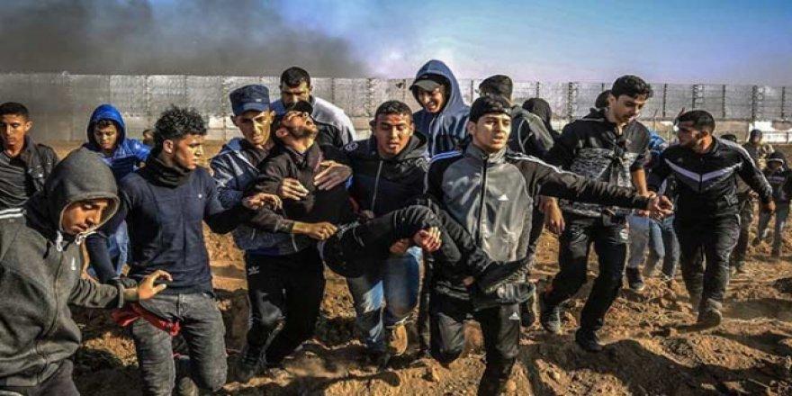 İsrail Askerleri Gazze Sınırında 62 Filistinliyi Yaraladı