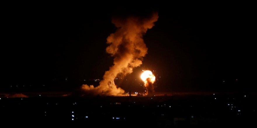İsrail'den Gösterilerin Yapıldığı Yere Hava Saldırısı