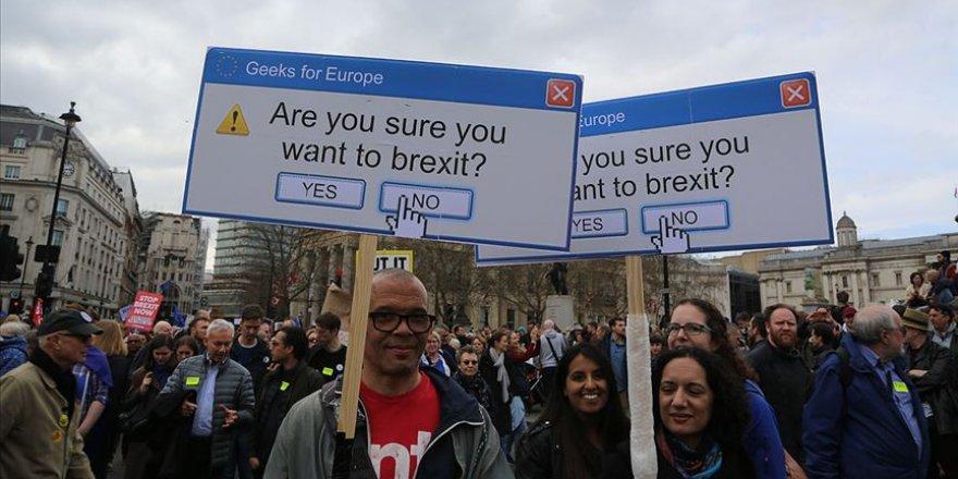 Brexit'in İptali Dilekçesinde İmza Sayısı 5 Milyonu Geçti