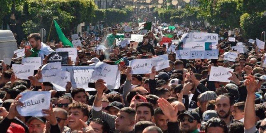 Cezayir'de Diyalog Konferansı Konusunda Çelişkili Açıklamalar