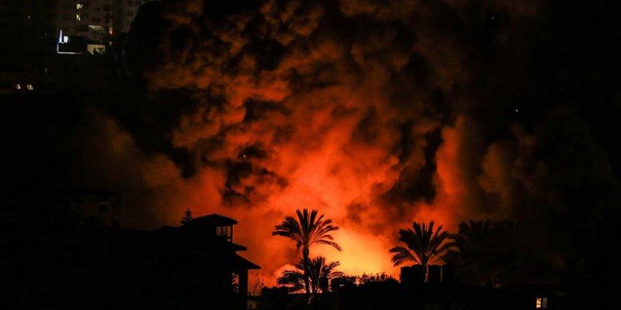 Siyonist İsrail Ateşkese Rağmen Gazze'yi Vurmaya Devam Etti
