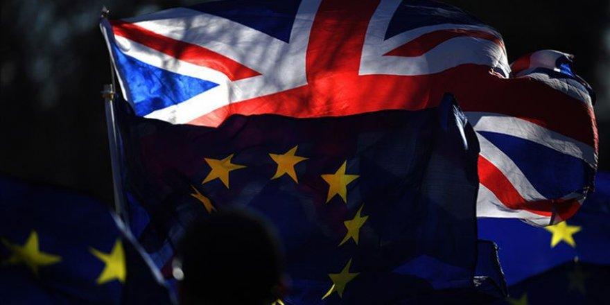 İngiliz Bakandan Hükümete Brexit Darbesi