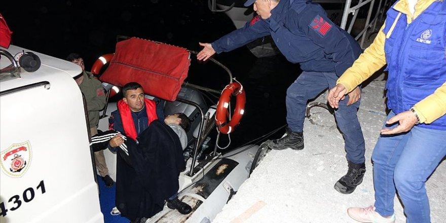 Çanakkale'de Göçmen Teknesi Battı: 4 Ölü