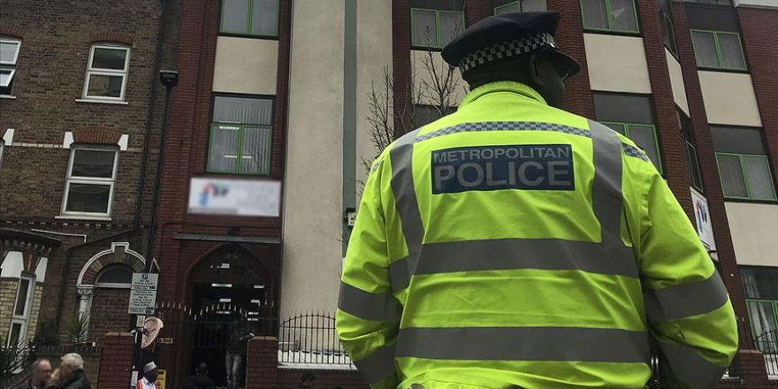 İngiltere'de İslami Eğitim Veren Okula Saldırı