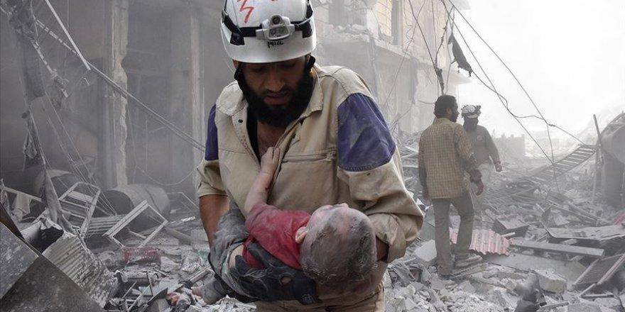 Rusya, İran ve Esed İdlib'i Vuruyor, Siviller Kaçıyor