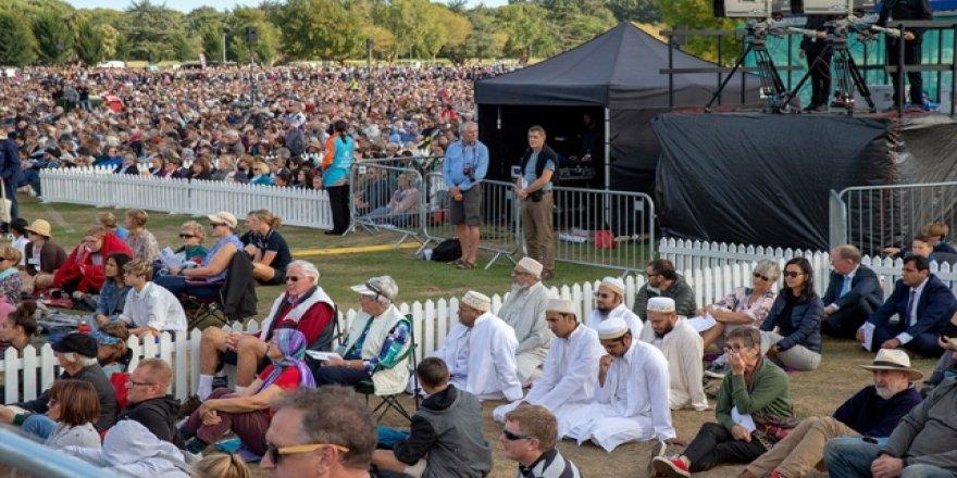 Yeni Zelanda'da Saldırıda Şehit Olanlar 'Ulusal Tören'le Anıldı