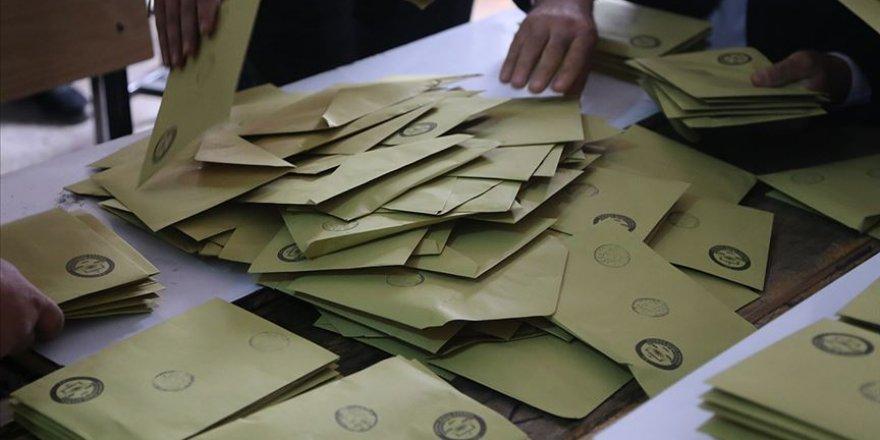 Seçimi Kazanan AK Partili Meclis Üyesi, 'Görevi Hak Etmiyorum' Deyip İstifa Etti