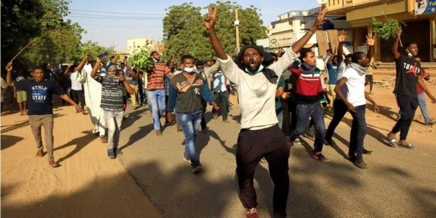 Cezayir'deki Olaylar Sudan'ı da Etkiler mi?