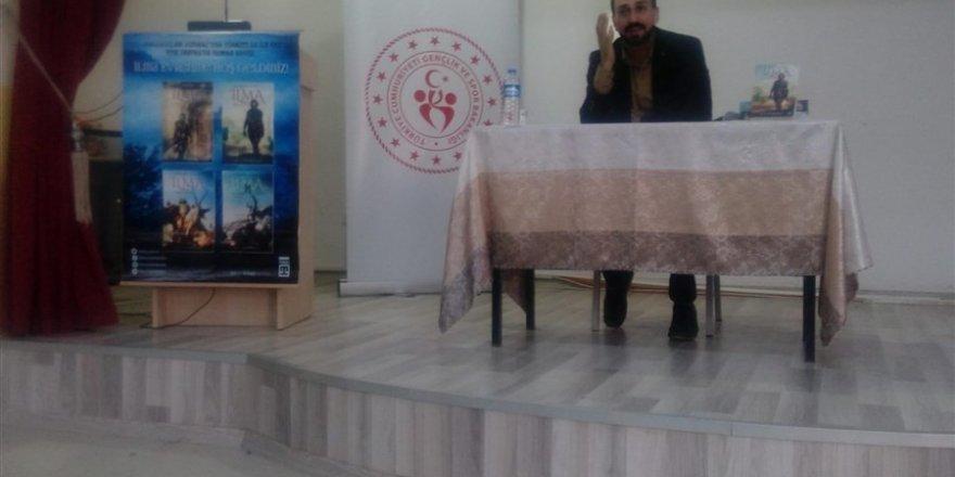 Muş'ta Abdusselam Durmaz ile İlma Roman Serisi Üzerine Söyleşiler Yapıldı