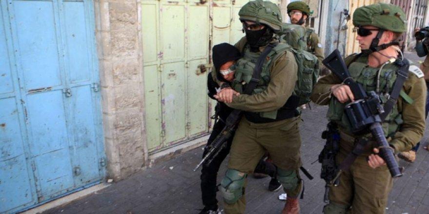 'İsrail 1967'den Bu Yana Bir Milyon Filistinliyi Gözaltına Aldı'