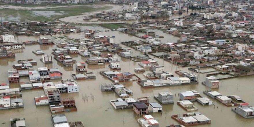İran'da Sel Felaketinin Maddi Zararı 7,6 Milyar Dolar