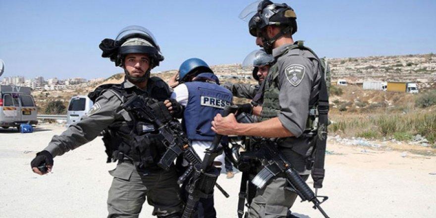 İsrail Zindanlarında 22 Filistinli Gazeteci Var