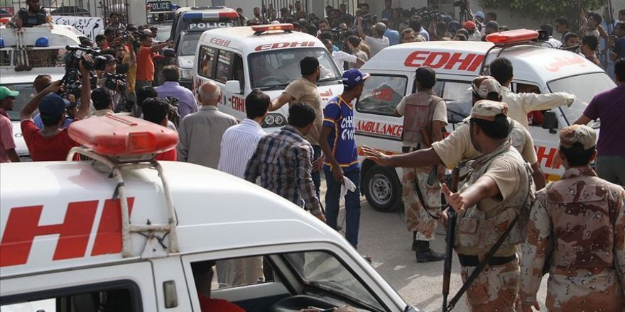 Pakistan'da Yolcu Otobüsüne Silahlı Saldırı: 14 Ölü