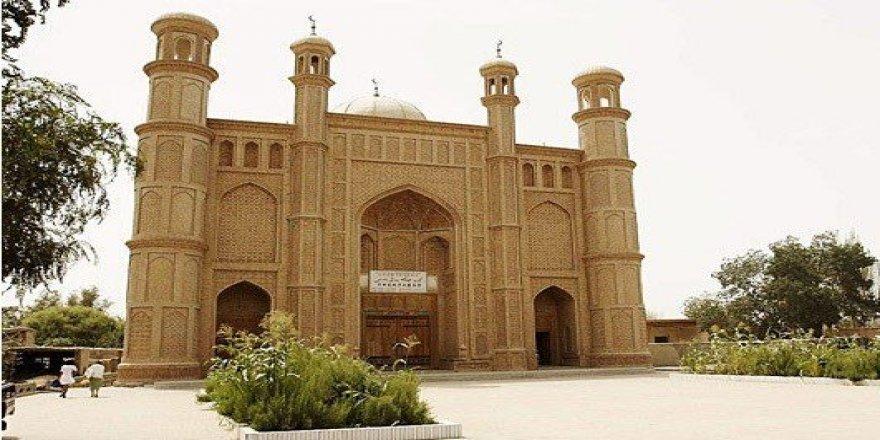 Çin Doğu Türkistan'da Yüzlerce Yıllık Camileri Yıkılıyor