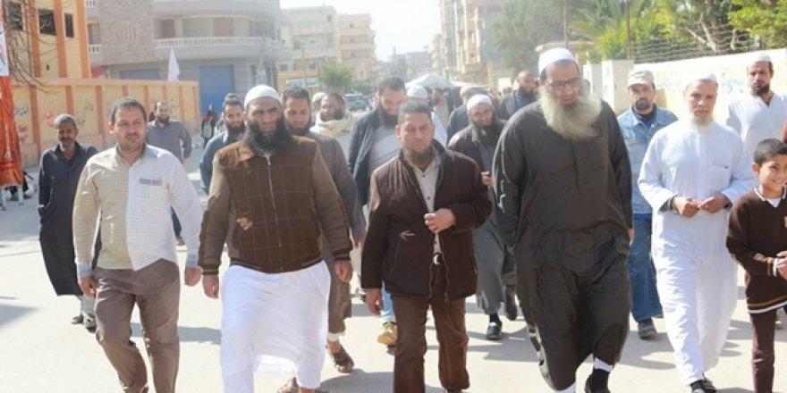 Sisi Cuntasının İşbirlikçisi Nur Partisi Mensupları Sandığa Koştu!