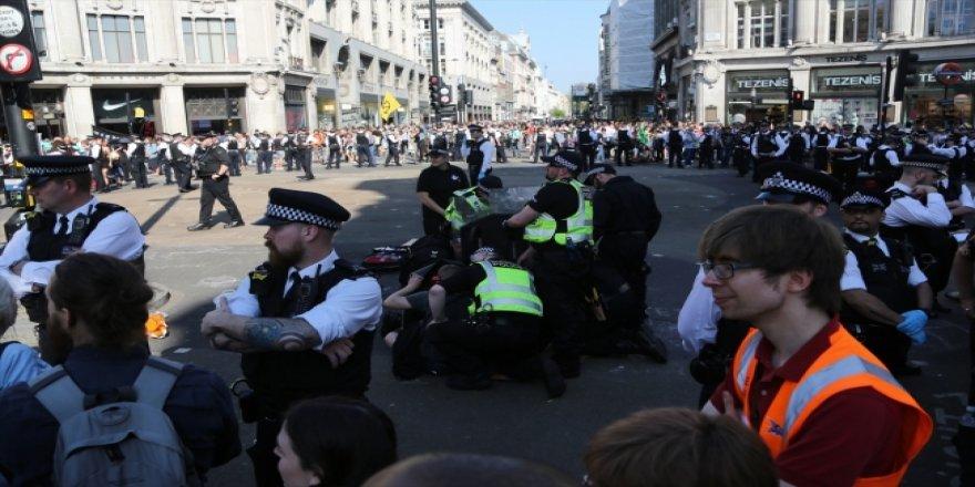 Londra'daki Çevreci İşgal Eyleminde Gözaltı Sayısı 750'yi Geçti